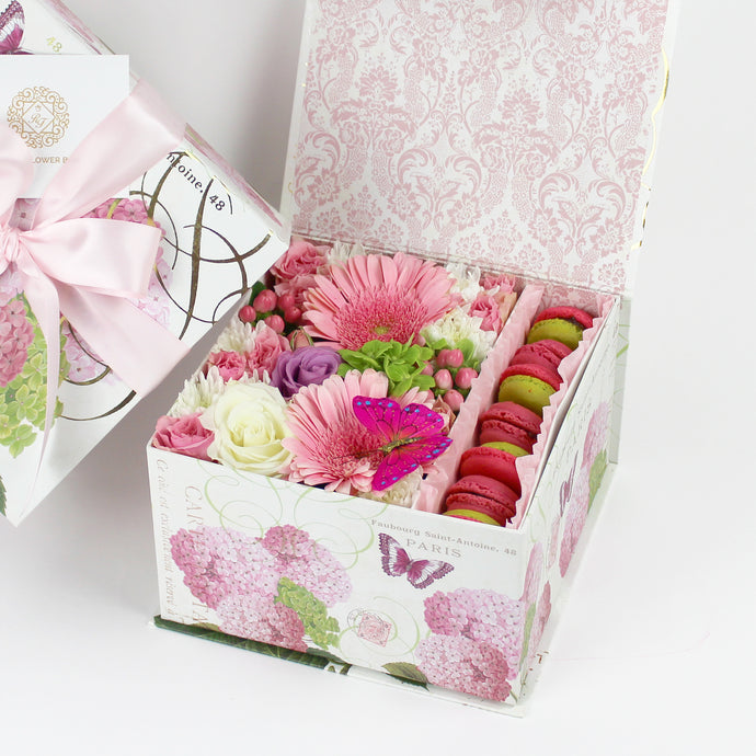 Butterfly Sweet Flower Box With Macarons