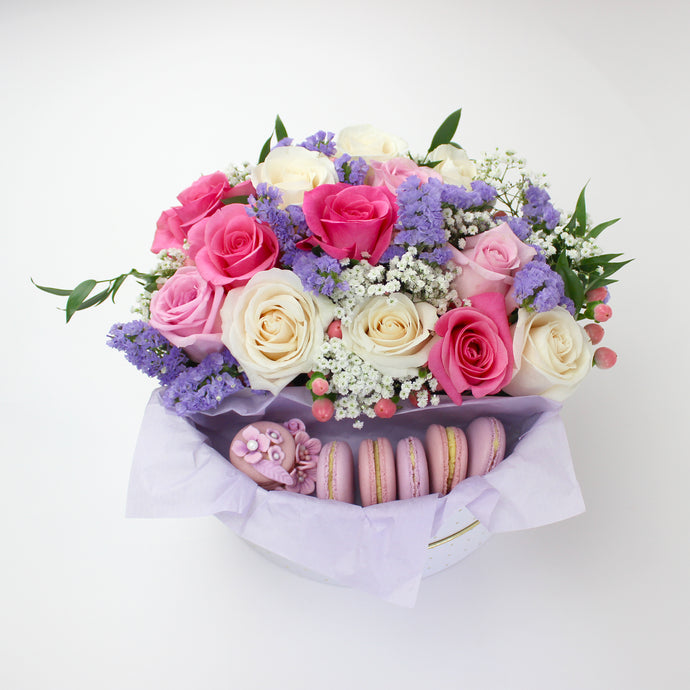 Elegant Surprise Flower Box With Macarons