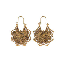 Load image into Gallery viewer, Tribal Flower Earring