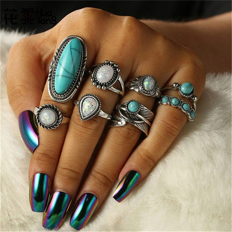 8 Piece Alloy Green Rhinestone Rings