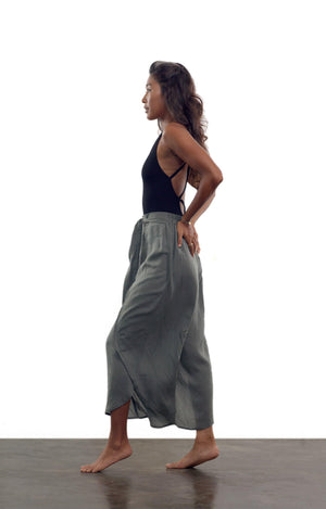 Sunday in Sheets Pants - Olive Ash - Isabelle Moon
