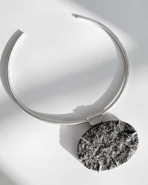 Moonrise Mica Statement Collar in Silver