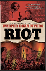 Walter Dean Myers - Riot (Paperback)