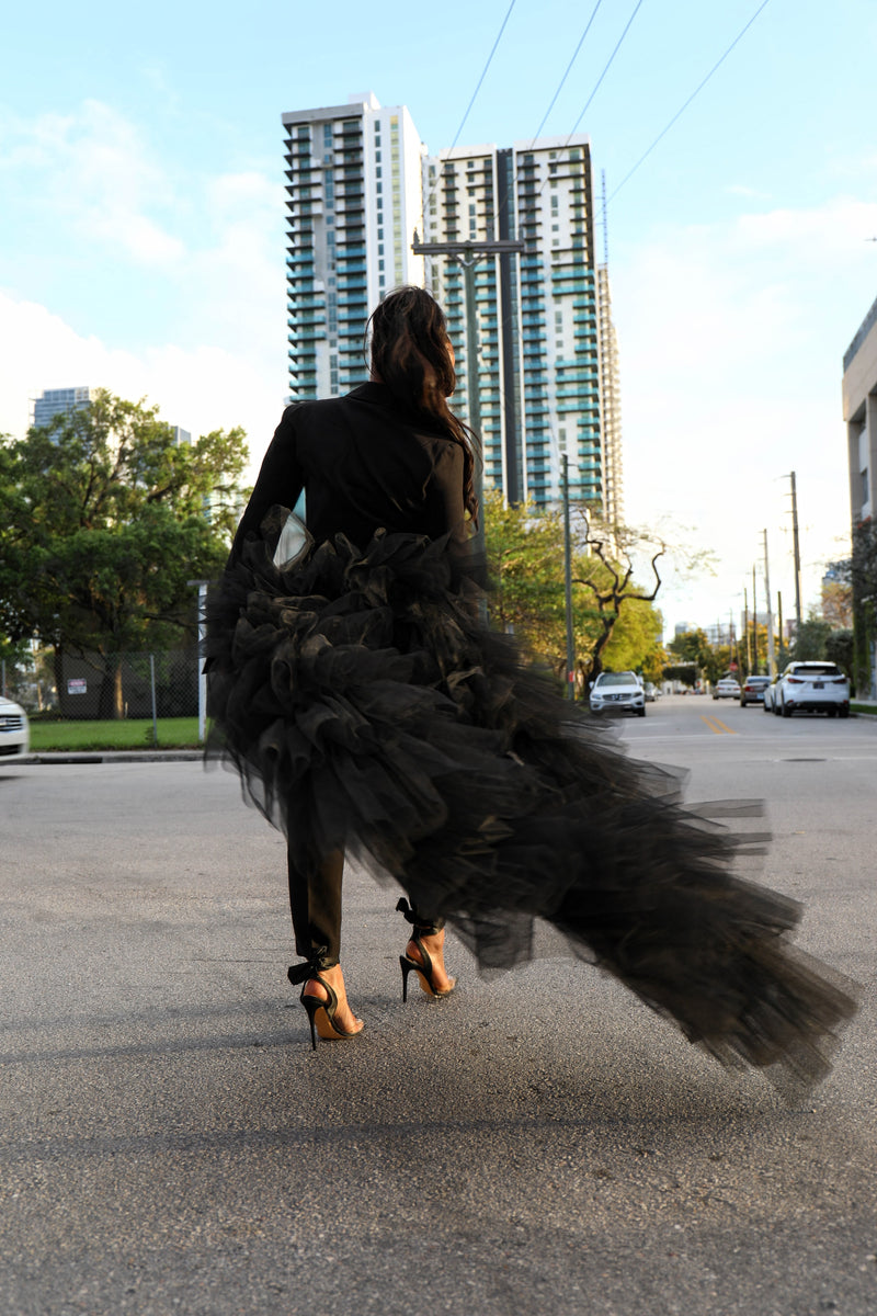 Oyemwen Tuxedo Suit With Tulle Train (Custom Colors Available)