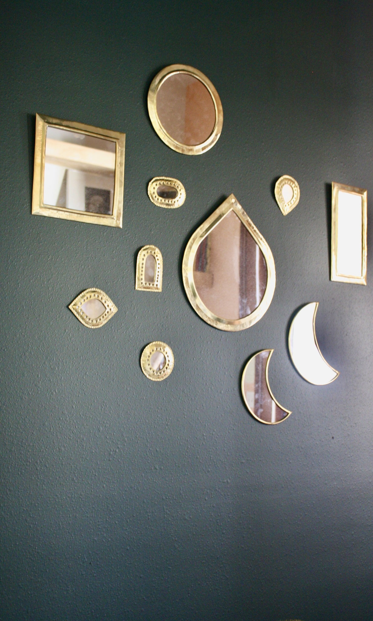 Handmade and handcrafted Brass Round Mirror from Morocco