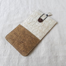 Load image into Gallery viewer, RANTA Olive Béa - Barkcloth Phone Pouch