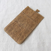 Load image into Gallery viewer, RANTA Olive - Barkcloth Phone Pouch