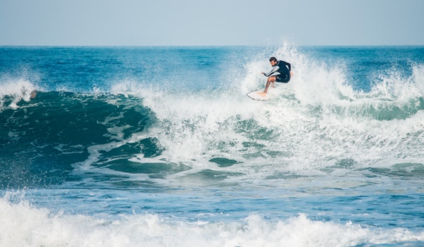 floater surfing trick