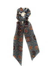 Load image into Gallery viewer, Scrunchie with scarf