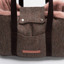 Laden Sie das Bild in den Galerie-Viewer, Hundetasche Milano Herringbone Brown