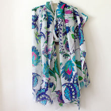 Load image into Gallery viewer, White Iznik Flower Scarf
