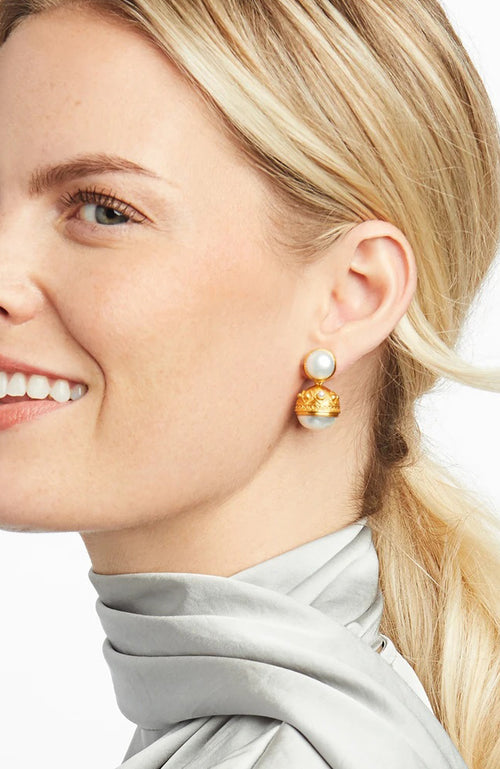 Medici Statement  Earring Gold Shell Pearl