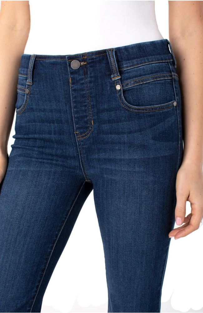 Gia Glider Crop Jean in Brentwood