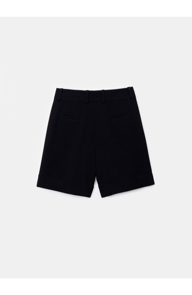 Ellis Pleated Short in Black