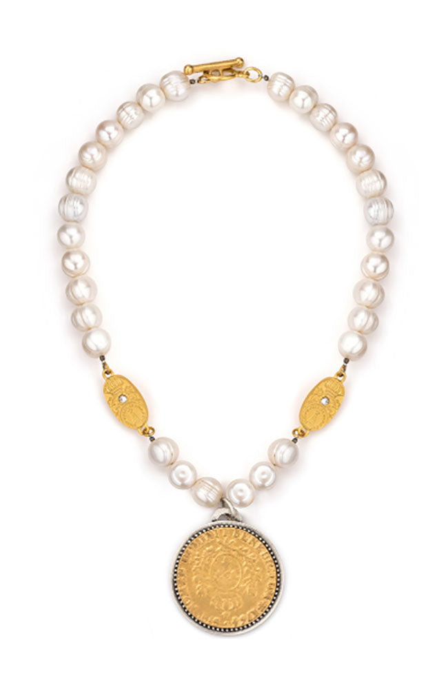 "17"" Pearl Necklace with Domini Medalion"
