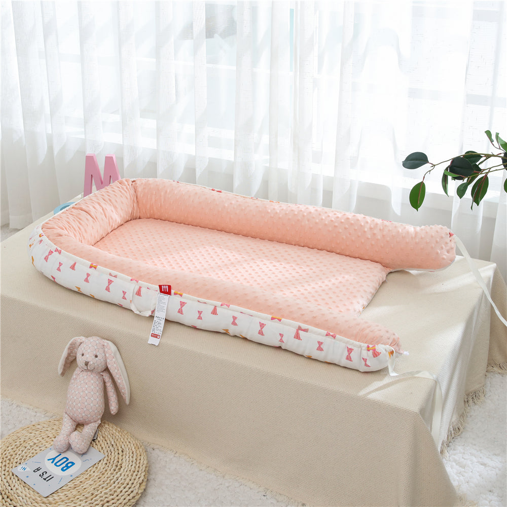 Portable crib for travel and baby safety