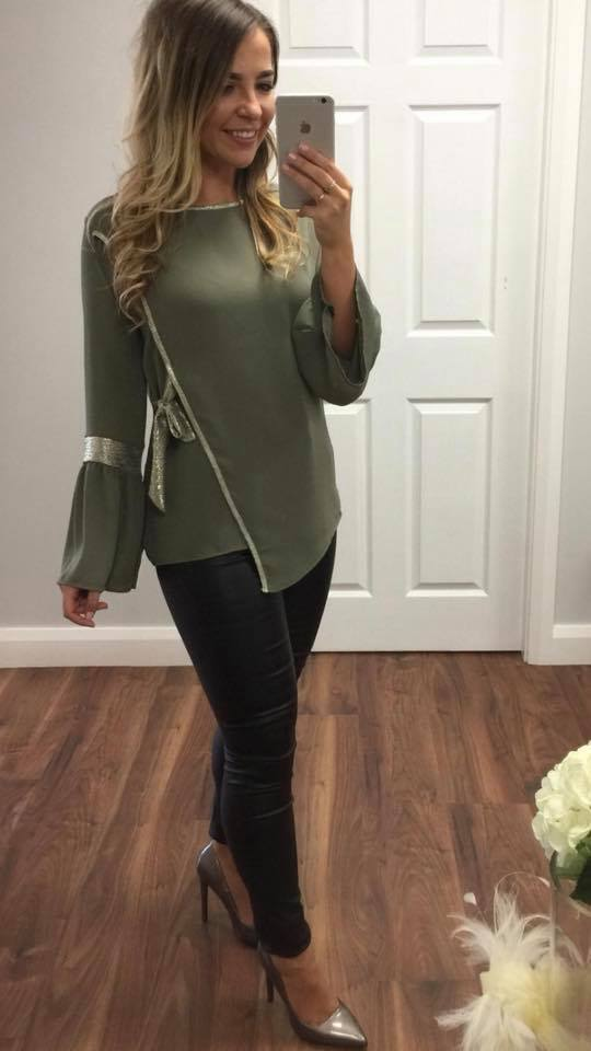 Red & Royal London Top In Khaki Green
