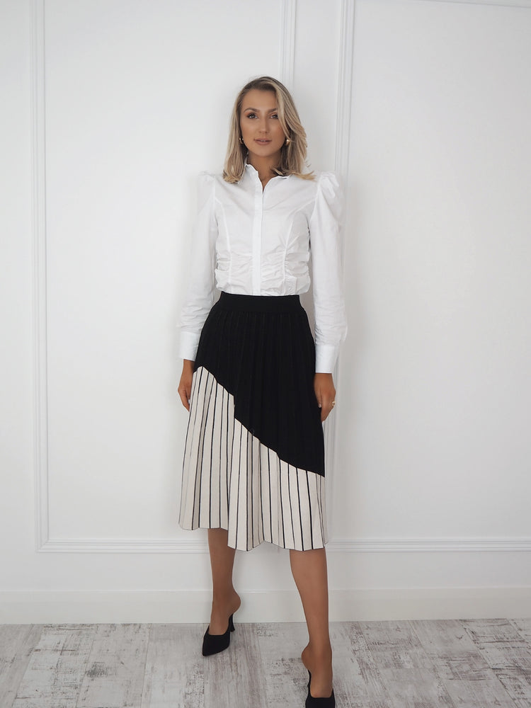 Black and White Abstract Print Pleated Skirt