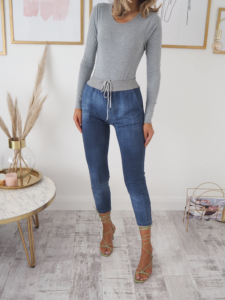 Chrysa Denim Look Capri Pant - Jersey