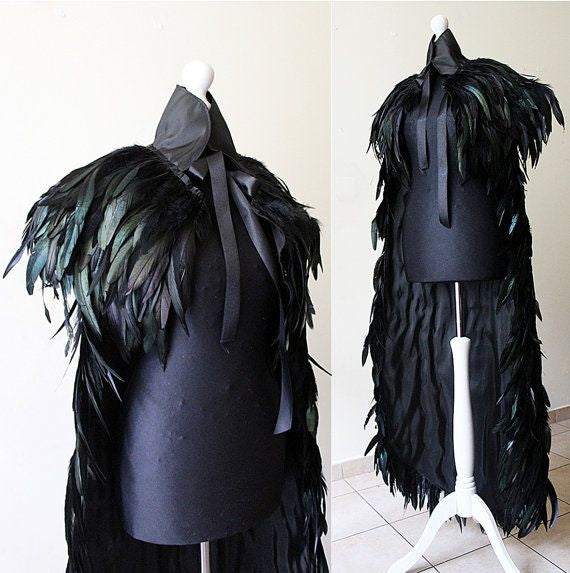 Feathered cape +pelerine