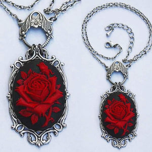Beautiful rose necklace