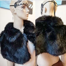Load image into Gallery viewer, Faux fur pelerine