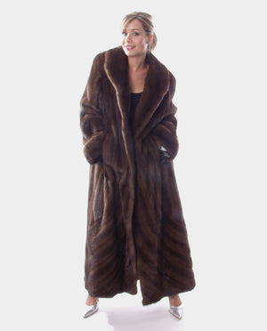 Mahogany Mink Fur Coat Directional Available Cleveland ETON Chagrin & Akron Summit Mall