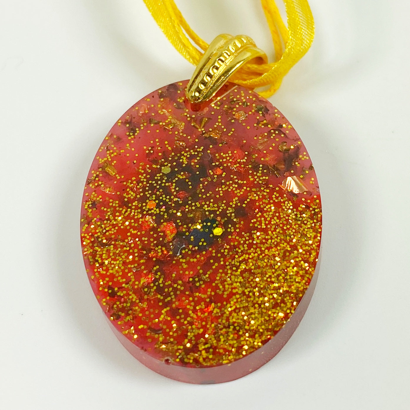 Red and Gold Oval Resin Pendent Necklace Front View