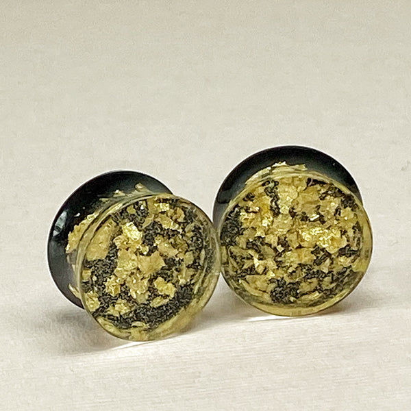 Gold Flake & Coal Black Resin Gauges Plugs 5/8 (16mm) front view