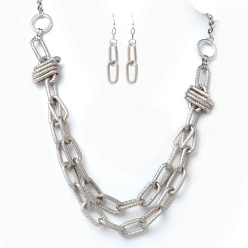 Chunky Silver Chain Link Necklace