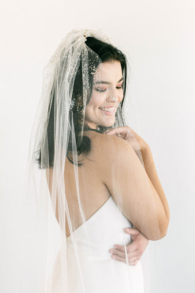Cecily veil Try-On