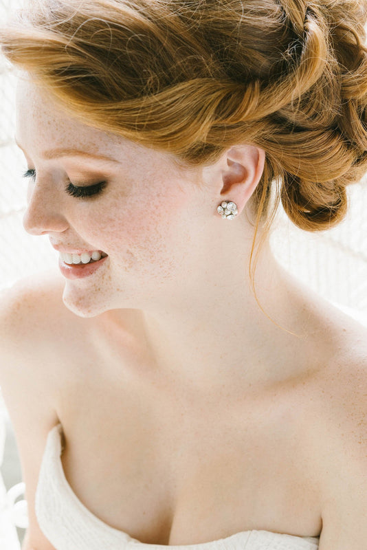 Crystal and pearl bridal earrings | Sara Gabriel