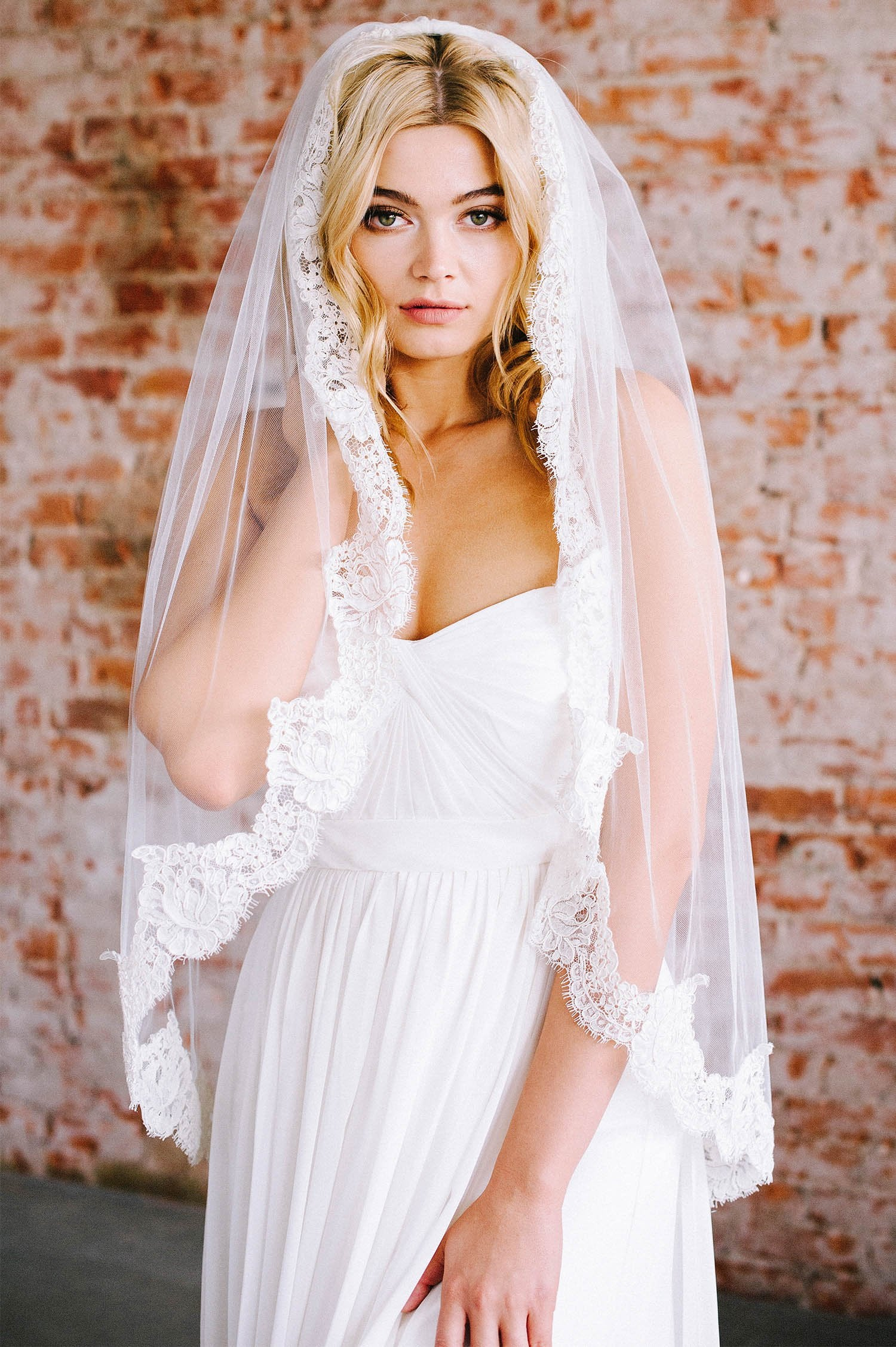 French lace scalloped bridal veil