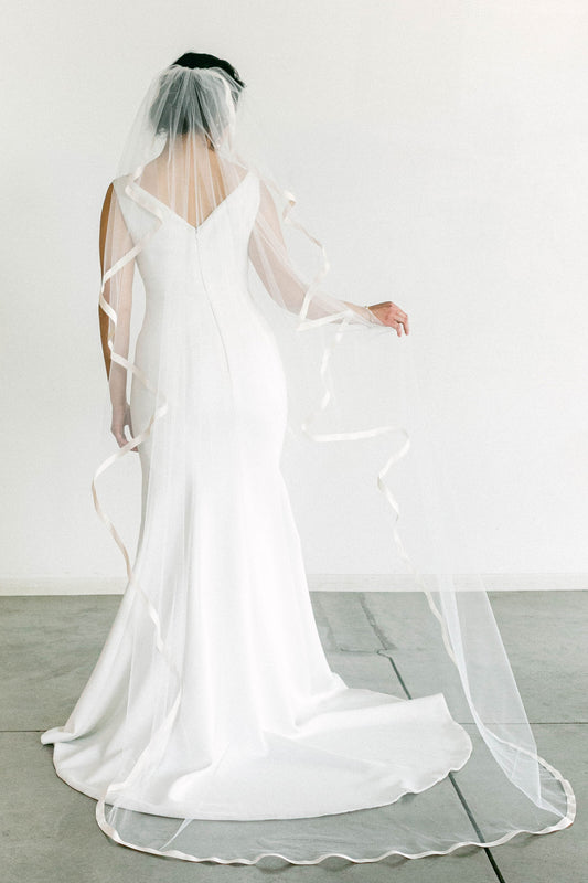 Madison veil Try-On
