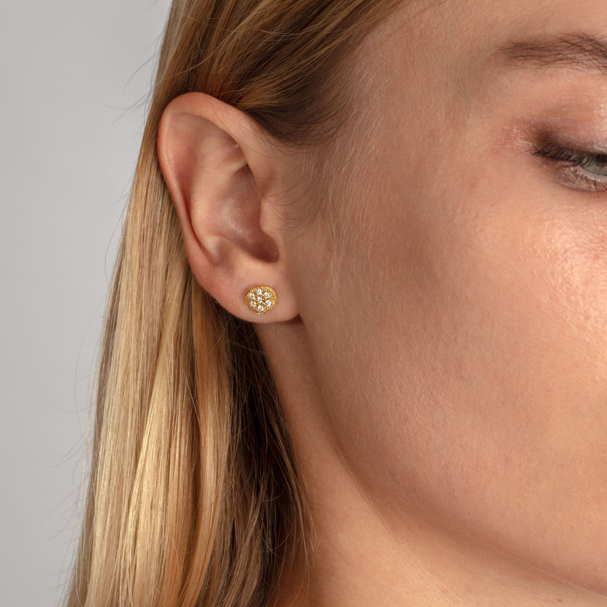 MODERN PAVE 7 Diamonds Stud Earrings in 18ct Gold