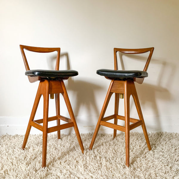 NATURAL WOVEN STOOL - HEY JUDE WORKSHOP • Vintage furniture & wares.
