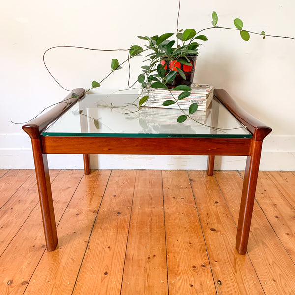 BRASS TUBULAR PLANT STAND - HEY JUDE WORKSHOP • Vintage furniture & wares.