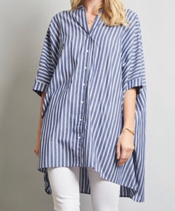 High-low hem batwing sleeve button down
