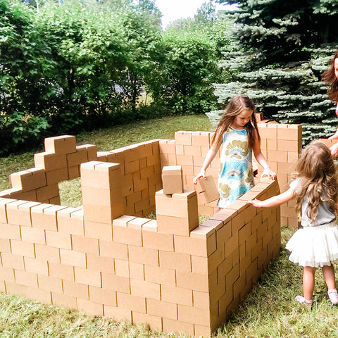 At what age a child should be able to build big blocks | GIGI Bloks