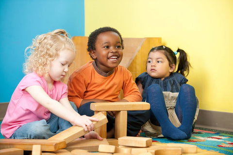At what age a child should be able to build with blocks | GIGI Bloks