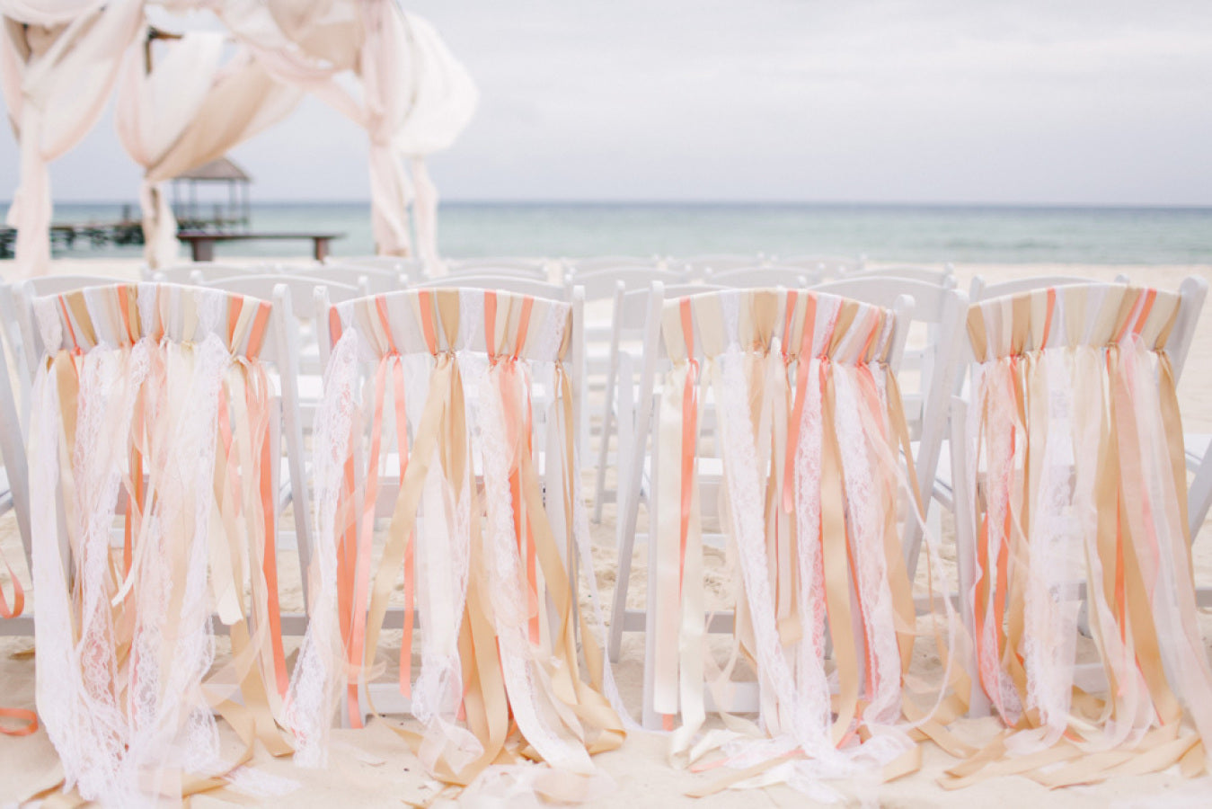 How to Decorate Your Wedding Chairs