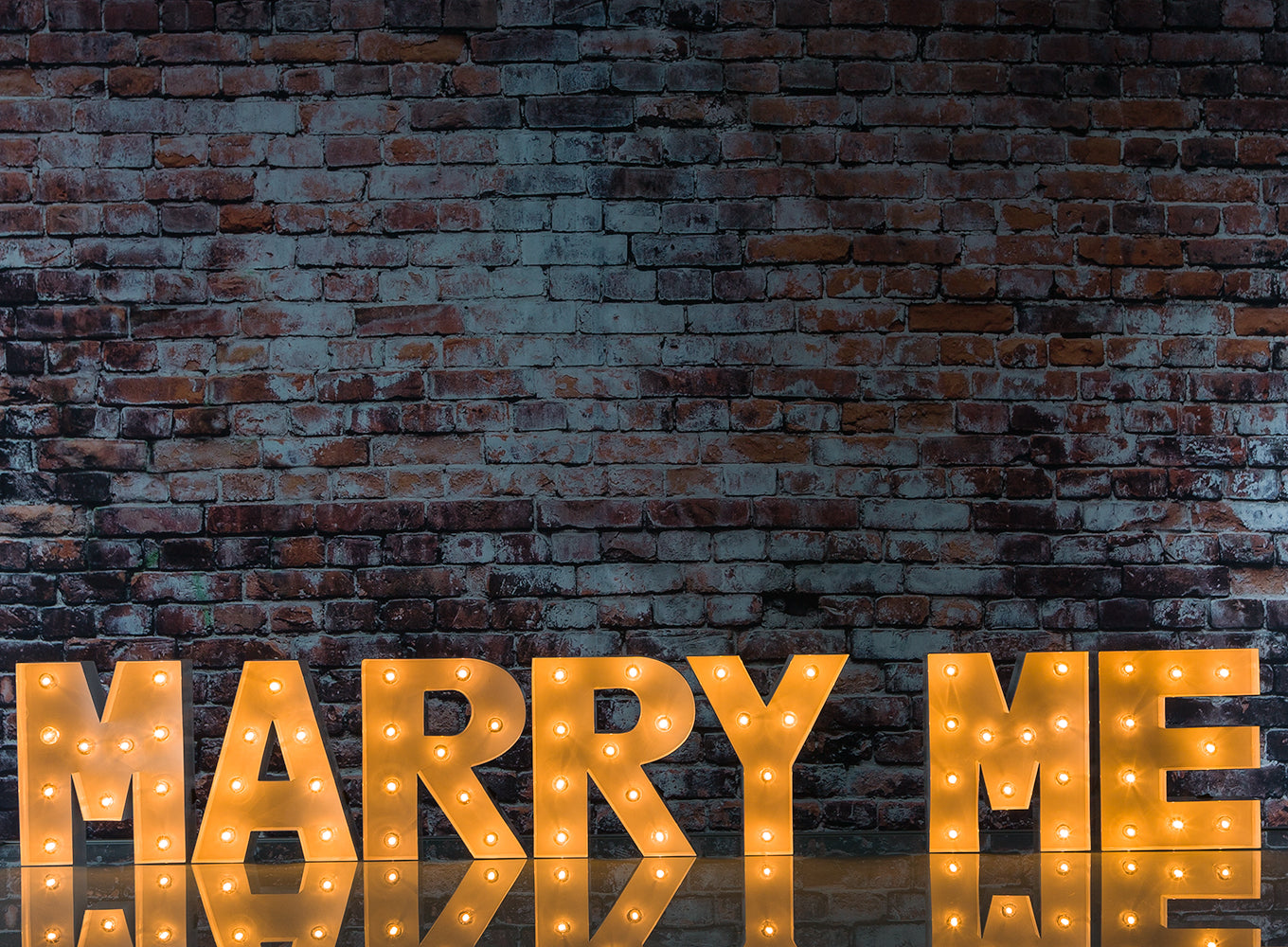 BLOWOUT White Marquee Light 'MARRY ME' LED Metal Sign (8 Inch, Battery Operated w/ Timer)