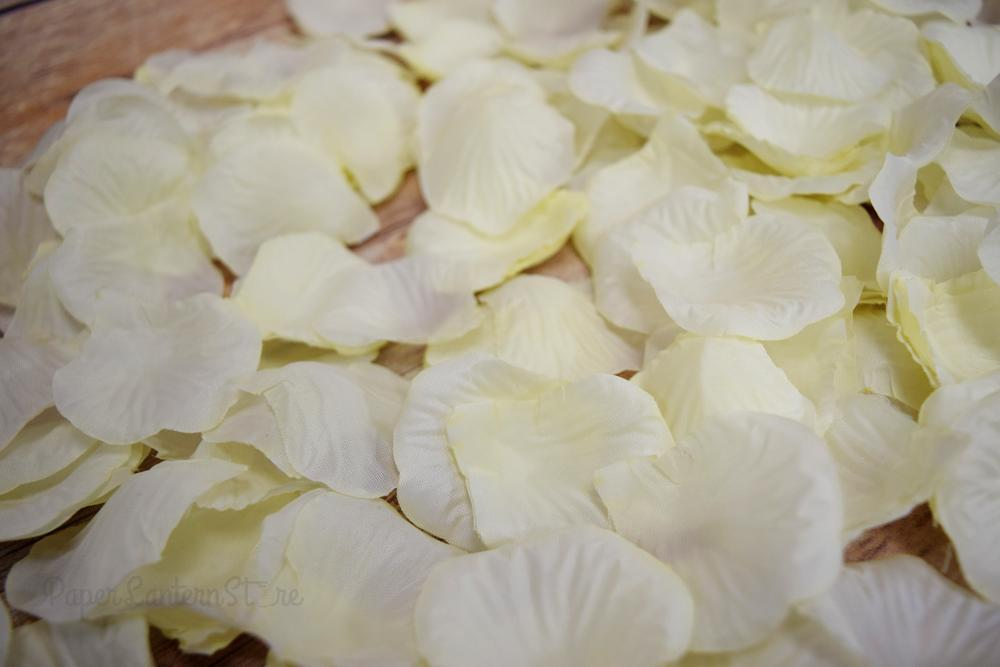 BLOWOUT Beige / Ivory Silk Rose Petals Confetti for Weddings in Bulk - PaperLanternStore.com - Paper Lanterns, Decor, Party Lights & More