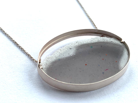Oval Dust Necklace Warm Grey