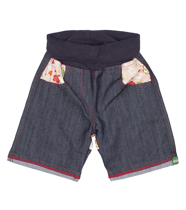 Millions of Peaches shorts front view bigs