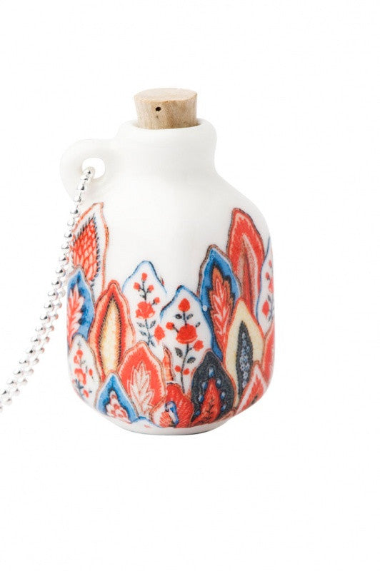 Bottle Necklace Red Leaf Scallop