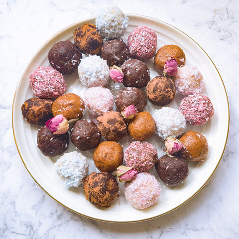 Bliss balls enriched with adaptogens