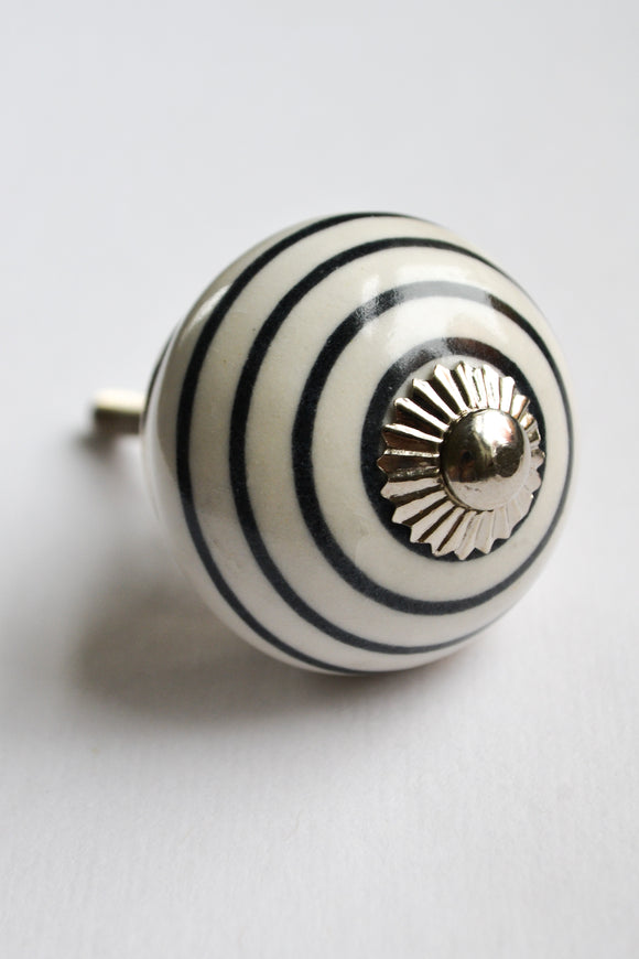 Black and White Stripe Knob
