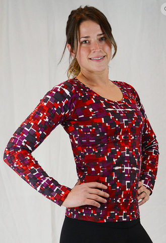 Lightweight long-sleeved 100% organic cotton shirt for women geometric print with reds.