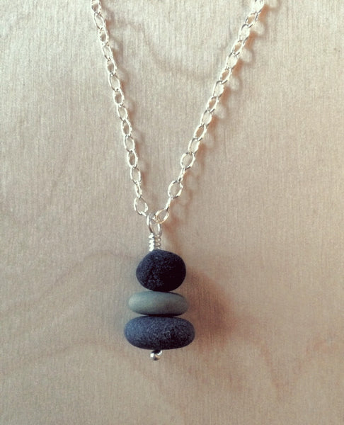 Cairn necklace, 3 pebbles | Upland Road